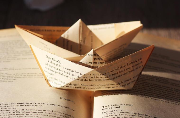 paper-book-boats