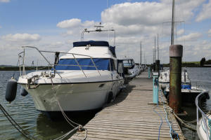 bridgemarsh-marina-althorne-close-chelmsford-in-17-acres-with-180-berths