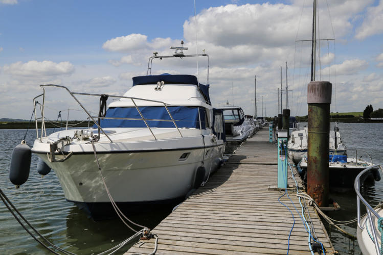 bridgemarsh-marina-althorne-close-chelmsford-in-17-acres-with-180-berths