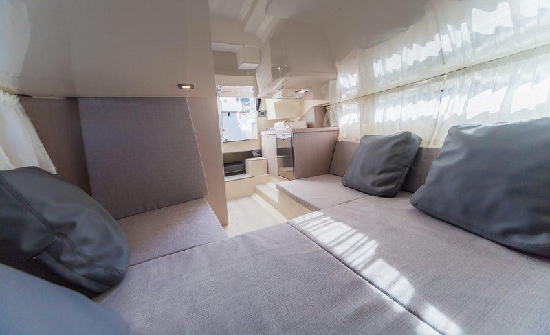 Invictus-280GT-yacht-tender-Interior