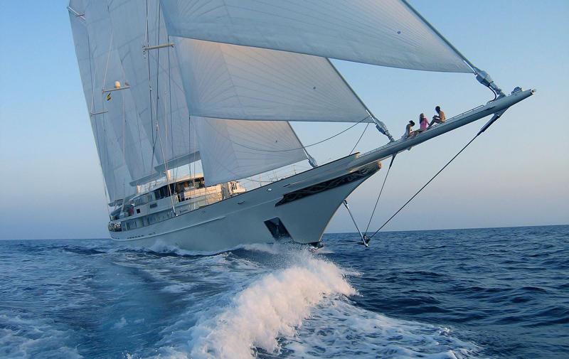 luxury-yacht-athena.jpg.1600x1000_q80