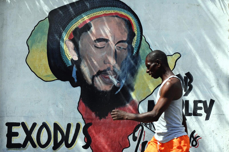 00b-bob-marley-street-art-in-kingston-jamaica-02-12