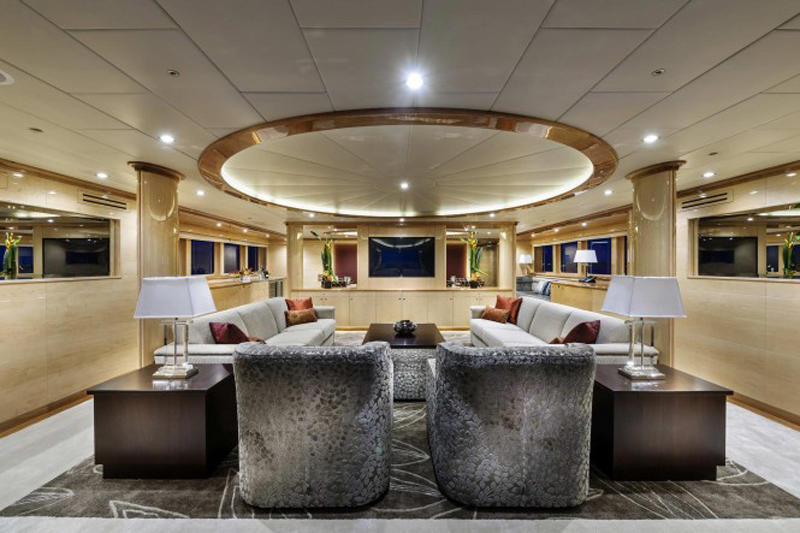 Motor-yacht-Zenith-Interior-665x443