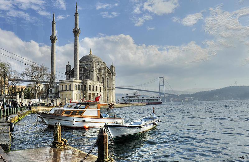 Turkey-Istanbul_shutterstock_65451691