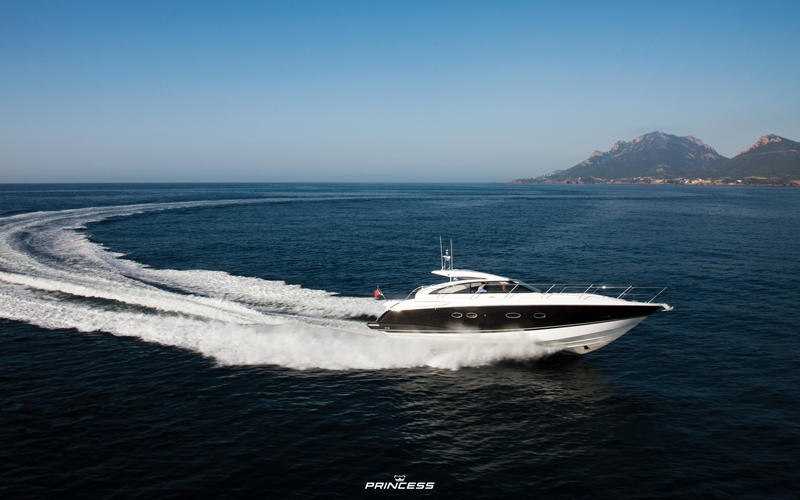 princess-yachts-princess-v42-1920x1200
