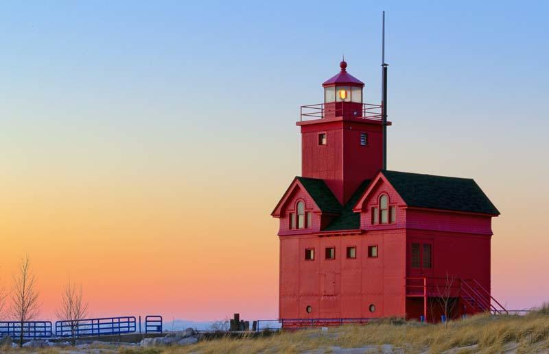 FCC_April_2011_Lg_Color_HM_Big_Red_At_Twilight_II_Steve_Zasadny