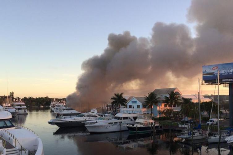 sfl-davie-marina-fire-yachts-006