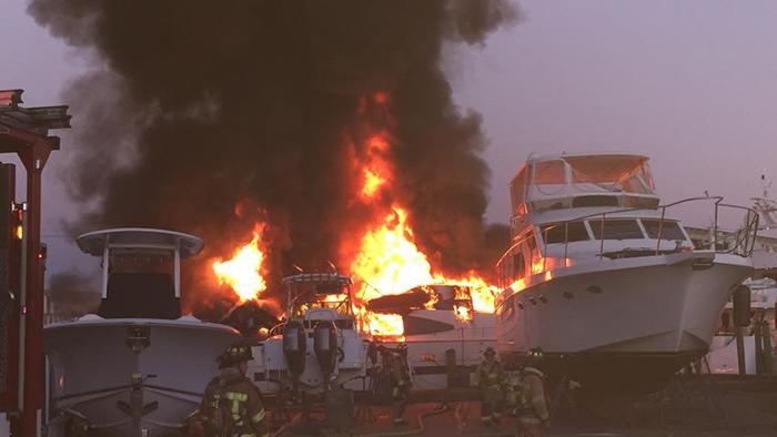 sfl-davie-marina-fire-yachts-009