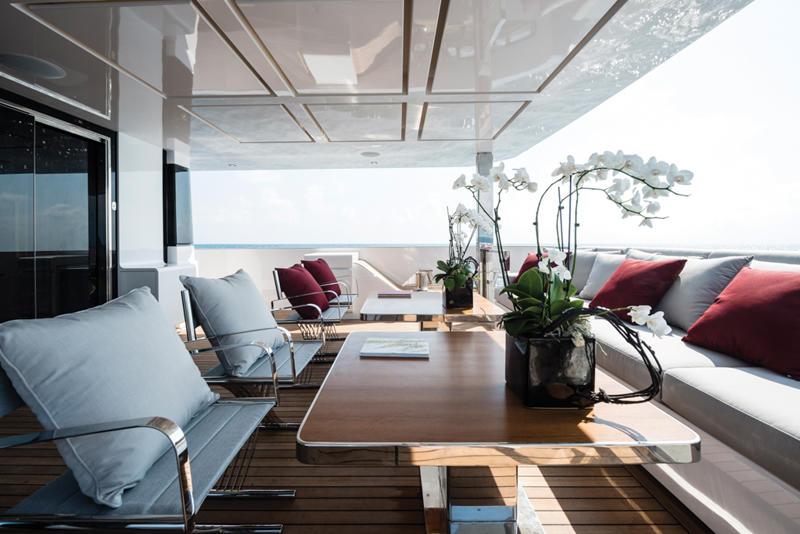 Motor Yacht FOAM-12