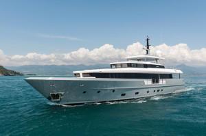 Motor Yacht FOAM-2