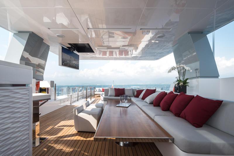 Motor-Yacht-FOAM-by-Admiral-