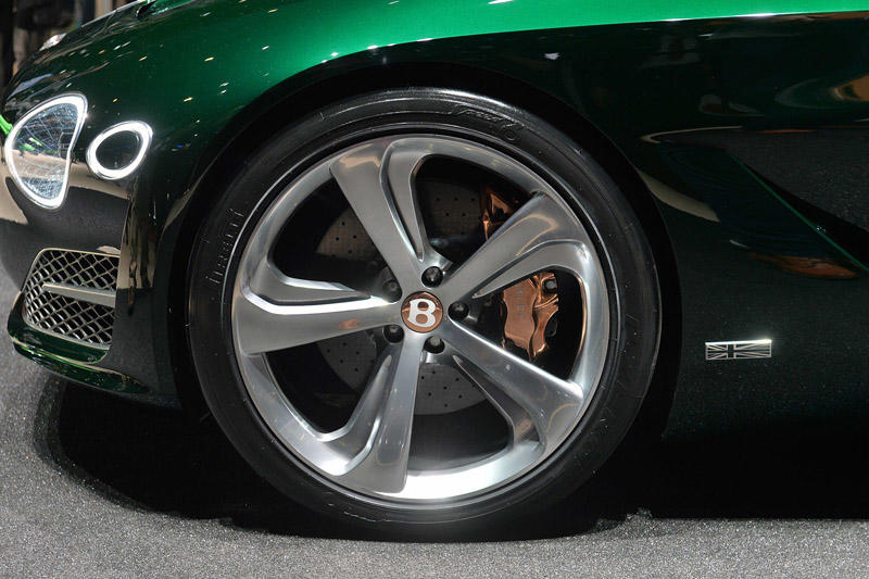08-bentley-exp-speed-10-speed-6-geneva-1
