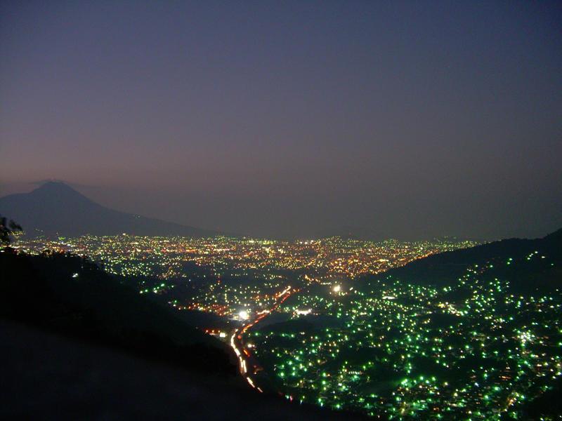 Atardecer_de_San_Salvador_desde_Los_Planes_de_Renderos