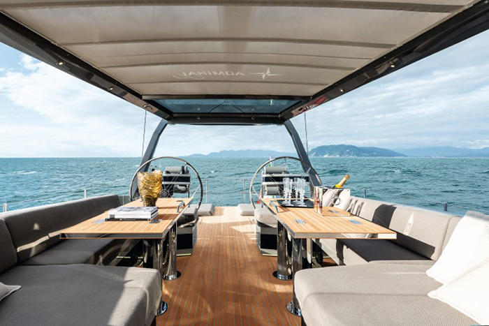 Gigreca-Yacht-Exterior