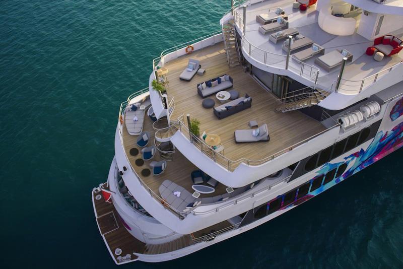 17 Saluzi Yacht - External