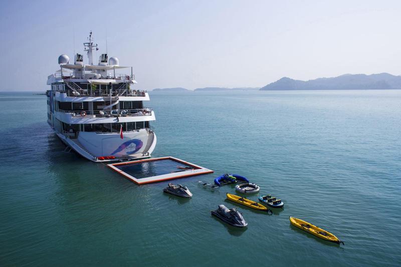 18 Mega yacht SALUZI
