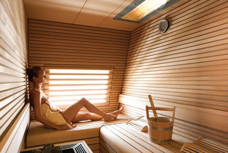 Motor Yacht Quinta Essentia -  Relaxing in the Sauna