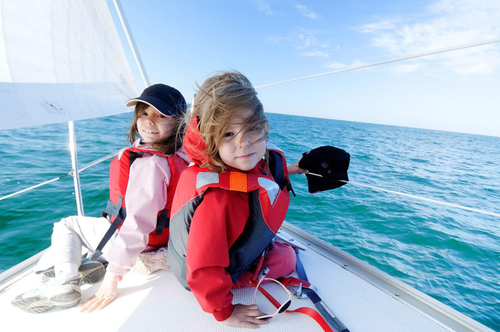 riviera-kids-right-05.jpg.1600x1000_q80
