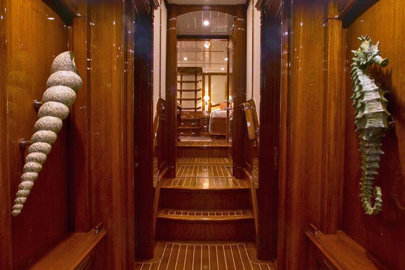 Sailing yacht WHISPER -  Companionway