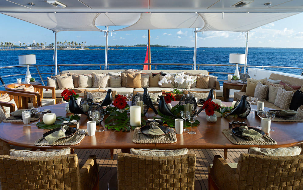 Yacht BELLE AIMEE -  Aft Deck Dining