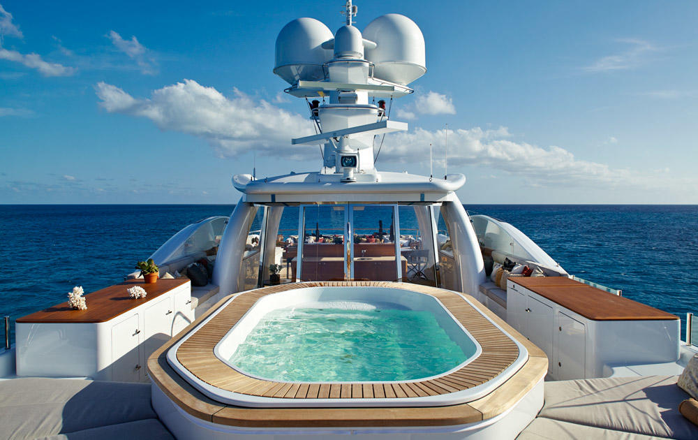 Yacht BELLE AIMEE -  Sundeck Spa Pool