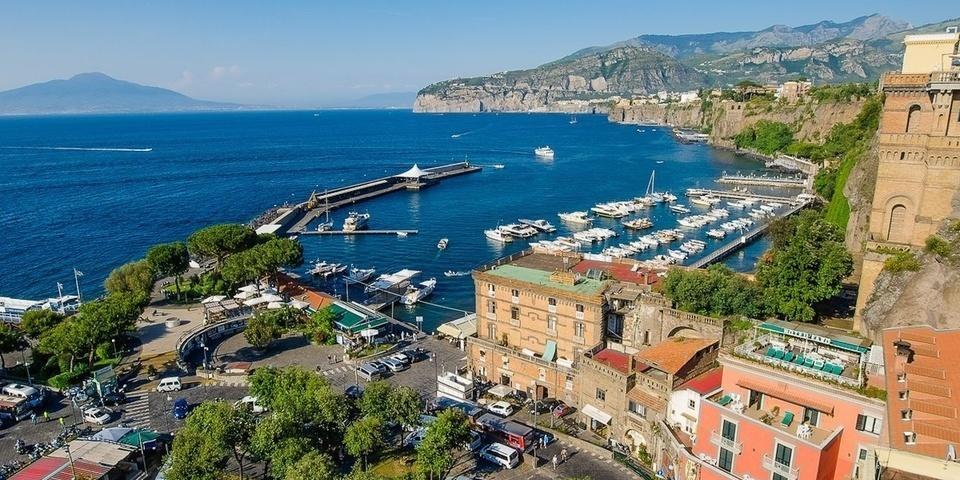 Панорамный вид на порт Сорренто