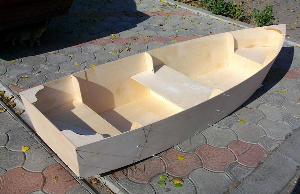 Как сделать лодку из фанеры фото