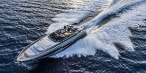 Luxury-yacht-Riva-88-Florida-underway