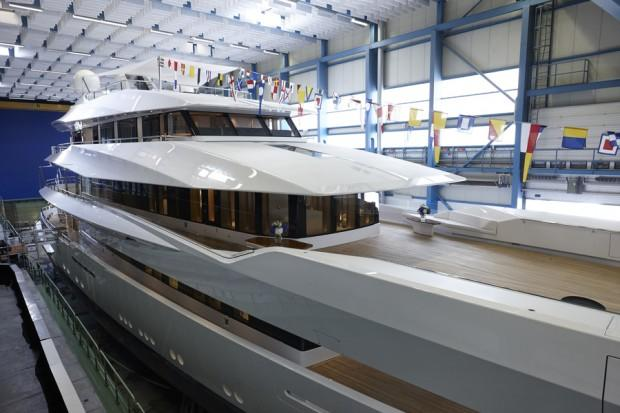 main_feadship_joy_launched_07