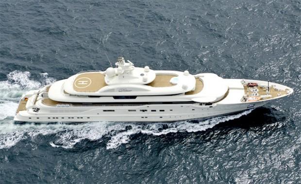 Dilbar-Yacht-01