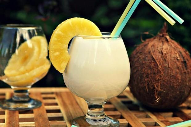 liker-koktejli-pina-colada-recept-pit-1