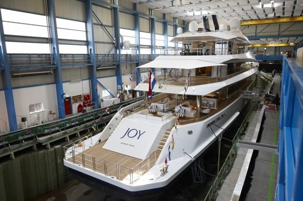 main_feadship_joy_launched_08