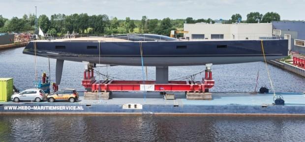 main_17246-sailing-yacht-missy-hits-the-water-at-vitters-shipyard