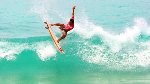 surfing-kata-beach-study-phuket-edu-abroad-semester-exchange