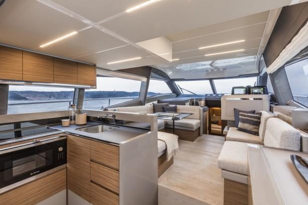 main_Ferretti Yachts 450_3