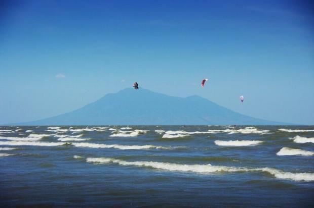 Best-Latin-America-kitesurfing-spots-Nicaragua-Cardenas-Ometepe