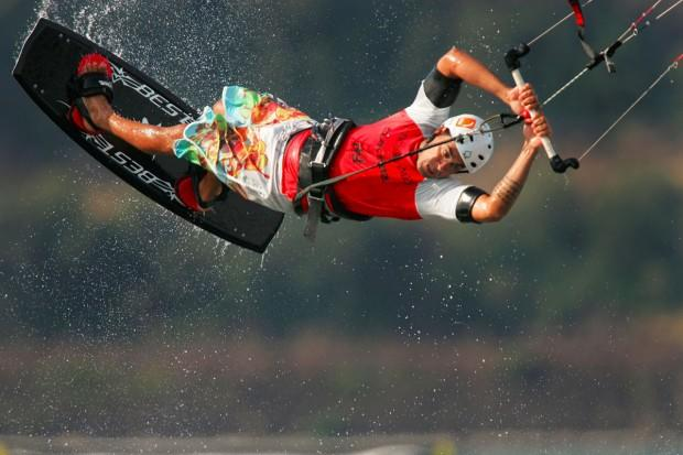 kitesurfing-featured