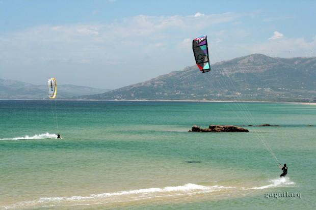 kitesurfing-tarifa-dos-1600