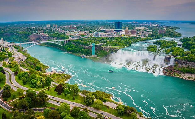 Rainbow-Bridge-Niagara-Falls-ON