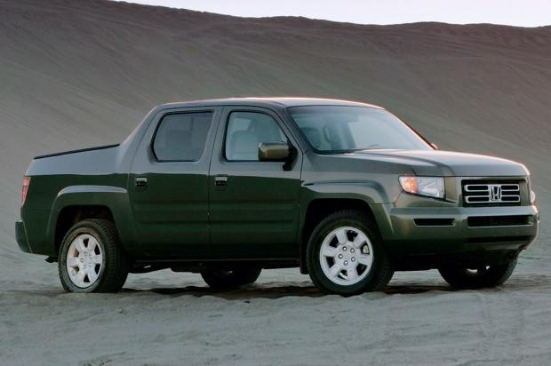 2006-Honda-Ridgeline-front-three-quarters