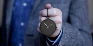 pocket_watch_in_hand_people_people-1024x673