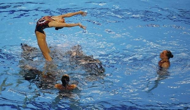 Team Russia competes during their synchronized swimming team final at the 1st European Games in Baku, Azerbaijan, June 16 , 2015. REUTERS/Kai Pfaffenbach